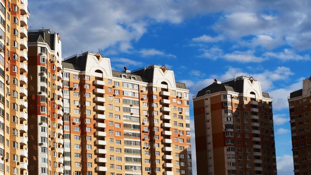 В 2015 году произошел перелом и с начала 2015 года средняя цена предложения на московском вторичном рынке жилья снизилась
